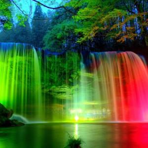 Цветные водопады
